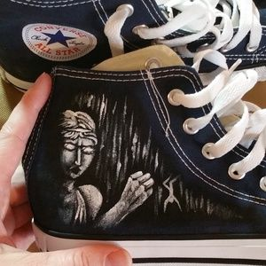 34f63fa1c6843 Hand Painted Weeping Angel Converse NWT